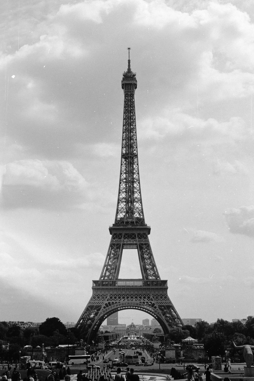 paris france tour heiffel film bw ilford dilmisnotdead pentax photo de