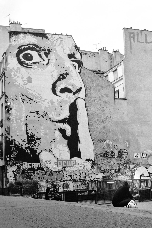 france street photo film filmisnotdead bw stranger Gilford pentax paris